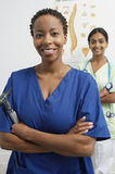 Doctores de sexo femenino multiétnicos Foto de archivo libre de regalías