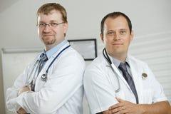 Doctores en oficina Imágenes de archivo libres de regalías