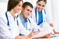 Doctores jovenes Imagen de archivo libre de regalías