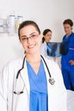 Doctores que cuidan Imagenes de archivo