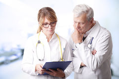 Doctors consulting Royalty Free Stock Image