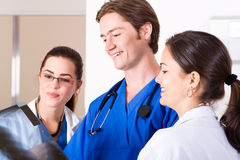 doctors läkarundersökning Royaltyfri Bild