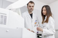 Doctors in the modern medical laboratory Stock Photography