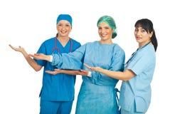 doctors presentationskvinnor Arkivbild