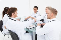 Doctors shaking hands Royalty Free Stock Image