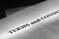 Document d'impression de notification permissible de termes et conditions générales Photos libres de droits