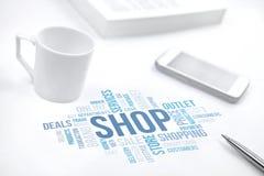 Document d'impression de nuage de mot de concept de boutique, smartphone, livre, stylo images stock