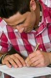 Document de signature d'homme photos libres de droits