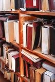Document documenten die in archief worden gestapeld stock afbeeldingen