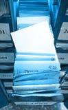 Document documenten die in archief worden gestapeld stock fotografie