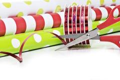 Document en het lint van Kerstmis het verpakkende Stock Foto's