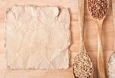 Document en houten werktuigen voor de keuken Stock Fotografie