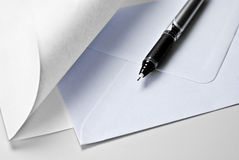 Document, envelop en pen Stock Afbeelding