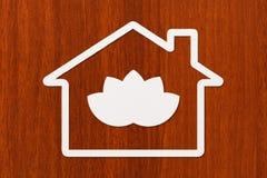 Document huis met lotusbloem binnen bloem Abstract yoga conceptueel beeld Royalty-vrije Stock Foto's