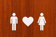 Document man en vrouw met hart Abstract conceptueel beeld Royalty-vrije Stock Foto