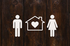 Document man, vrouw en huis Huisvesting, familieconcept Abstracte conceptueel Royalty-vrije Stock Afbeelding