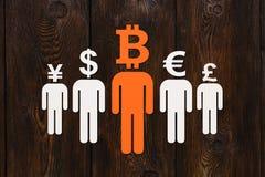 Document mensen met bitcoin en andere munt in plaats van hoofd Royalty-vrije Stock Foto