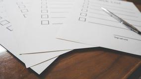 document met pen en ruimte voor vullingsinformatie Royalty-vrije Stock Afbeeldingen
