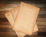 Document op hout Stock Afbeelding