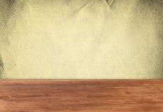 Document textuur over houten achtergrond Stock Fotografie