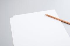 Documenti in bianco Immagini Stock