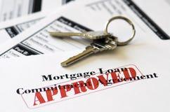 Documento aprobado del préstamo de la hipoteca de propiedades inmobiliarias imagen de archivo