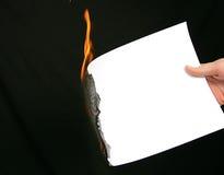 Documento in bianco Burning per il messaggio Immagini Stock Libere da Diritti