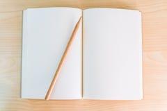 Documento bianco del taccuino Fotografie Stock Libere da Diritti