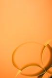 Documento coloreado del extracto sobre fondo amarillo imagen de archivo libre de regalías