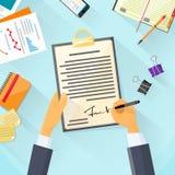 Documento de la firma del hombre de negocios que firma para arriba Imagenes de archivo