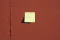 Documento del bastone sulla scheda Fotografie Stock Libere da Diritti