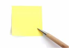 Documento di nota con la penna Immagini Stock