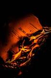 Documento in fuoco fotografia stock libera da diritti