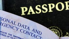 Documentos de viagem do passaporte dos EUA vídeos de arquivo