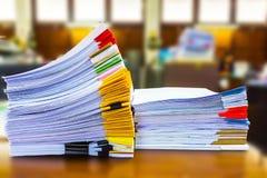 Documents sur papier empilés Photographie stock libre de droits