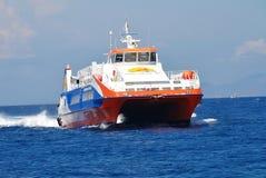 Dodekanisos Uitdrukkelijke veerboot, Nisyros Stock Foto's