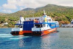 Dodekanisos Uitdrukkelijke veerboot, Nisyros Stock Fotografie