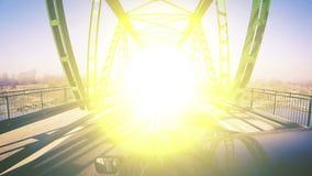 Dodelijk ras op de brug: twee gekke bestuurders in fatale voorneerstorting stock illustratie