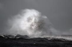 Dodelijke overzeese golven Stock Afbeeldingen