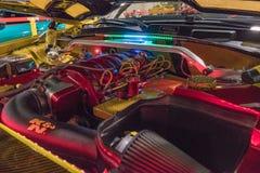 Dodge ładowarki SRT8 silnik na pokazie Fotografia Royalty Free