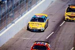#43 Dodge guidato da John Andretti ha danneggiato dopo il relitto Immagine Stock
