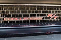 Dodge-Herausforderer Funktelegrafie-Emblem auf Anzeige Lizenzfreies Stockfoto