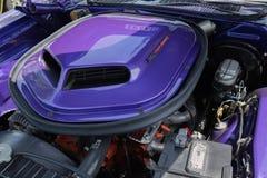 Dodge-Herausforderer Funktelegrafie-Maschine auf Anzeige Stockbild