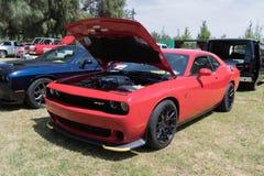 Dodge-Herausforderer SRT auf Anzeige Stockfotografie