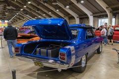 Dodge-Pfeil Hemi 1969 auf Anzeige Stockbilder
