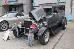 Dodge-Sedan 1928 op vertoning Stock Afbeeldingen
