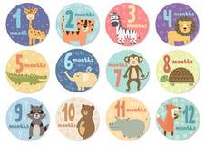 Dodici mesi svegli di autoadesivi con gli animali per i bambini royalty illustrazione gratis