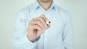 Doe het die met Hartstocht, op het Transparante Scherm schrijven stock video