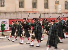 Doedelzak in de St Patrick ` s Dagparade stock afbeeldingen