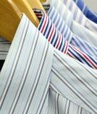 Doeken op houten hangers Royalty-vrije Stock Foto